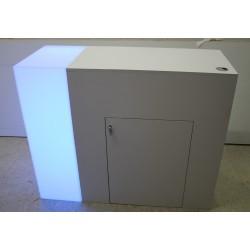 messetheke-mieten-Berlin-messecounter-abschließbar-messe-tresen-vermietung-verleih-LED