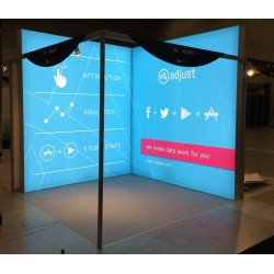 led-leuchtwand-lightbox-Berlin-LED-leuchtkasten-mieten-aufsteller-event-messe-leuchtreklame
